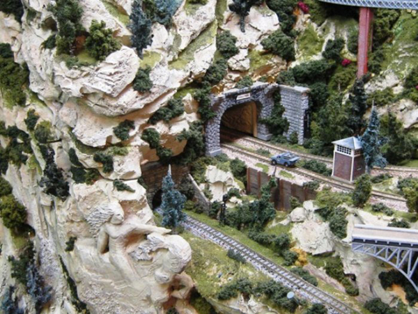 Z Scale Model Railroad Layout